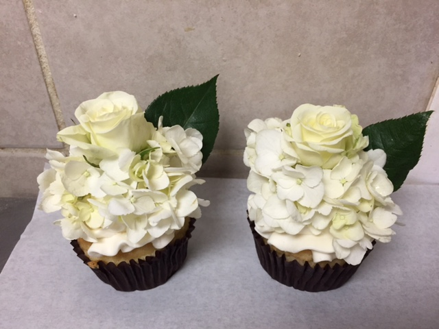 Bridal shower and specialty event cupcakes at Dolce and Biscotti Italian Bakery