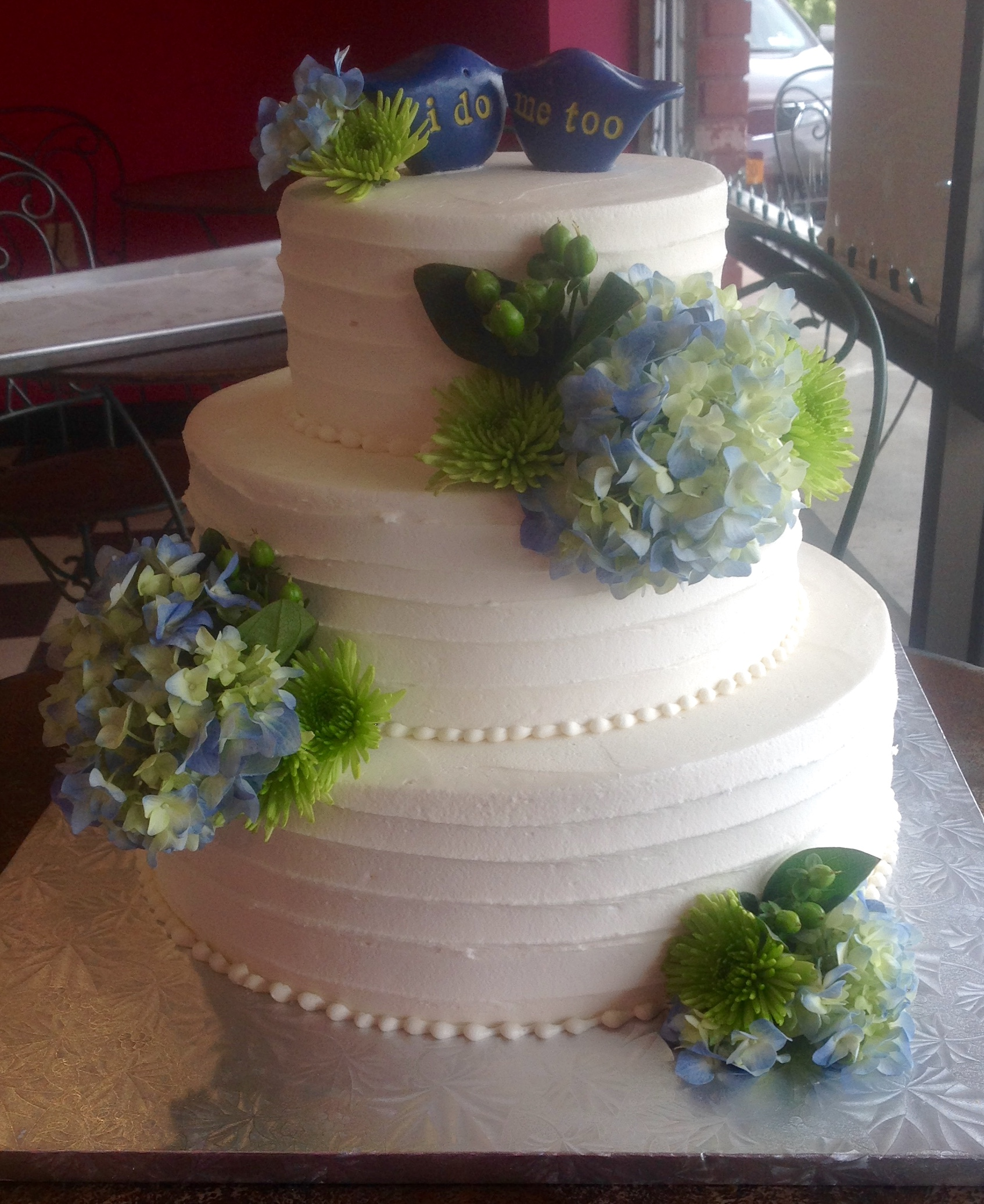 Gluten free wedding cakes and assorted cakes at Dolce and Biscotti Italian Bakery